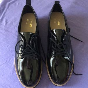 MIX No6 Black patent leather  8.5  NWB